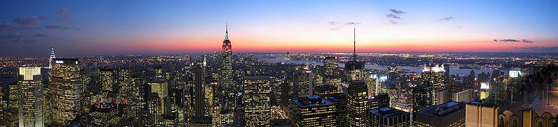 纽约在众多美国城市中,有着独特的太众运输系统,并在人口族群上有着其